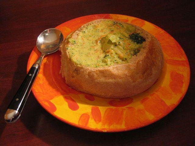bread bowl broccoli cheese