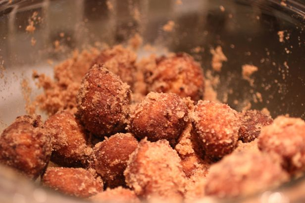 Buttermilk Doughnut Holes